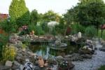 Springbrunnen im Garten, Erholung, Liegewiese, Spileplatz